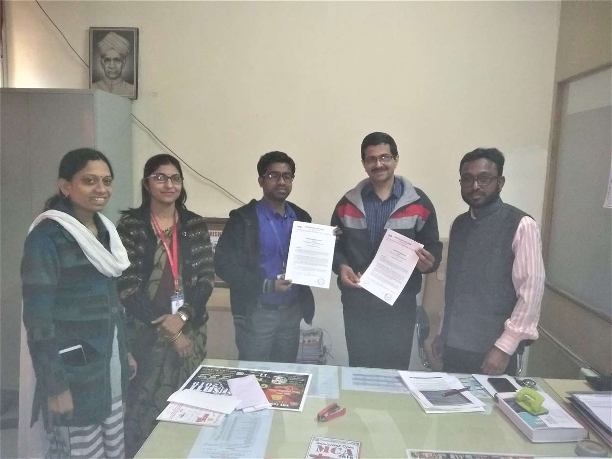 SIgned MOU with VMV College Nagpur